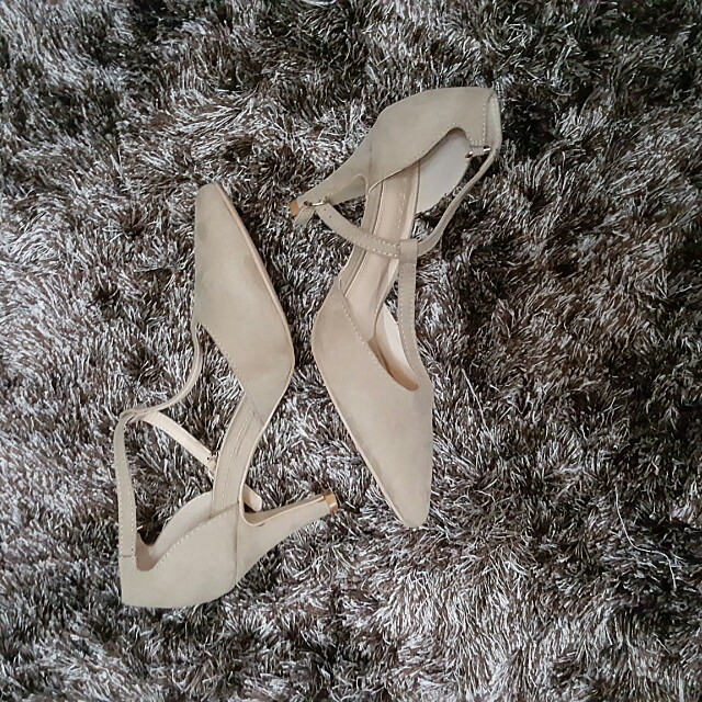 BrandNew Nude shoes