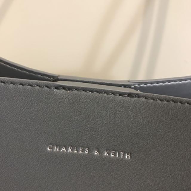 Charles & Keith 側背包