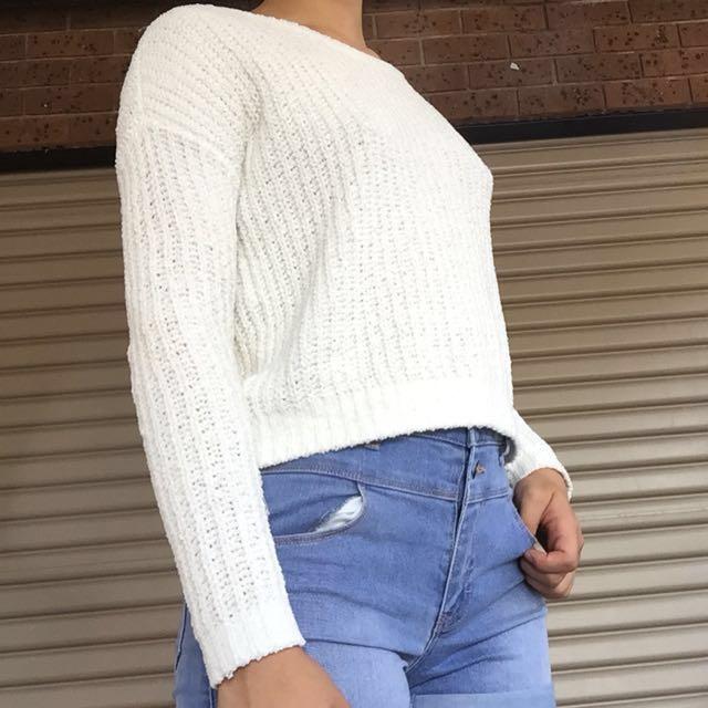 Cropped white knit