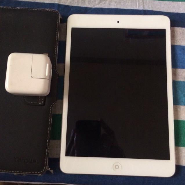 DEFECTIVE iPad Mini 2 for parts
