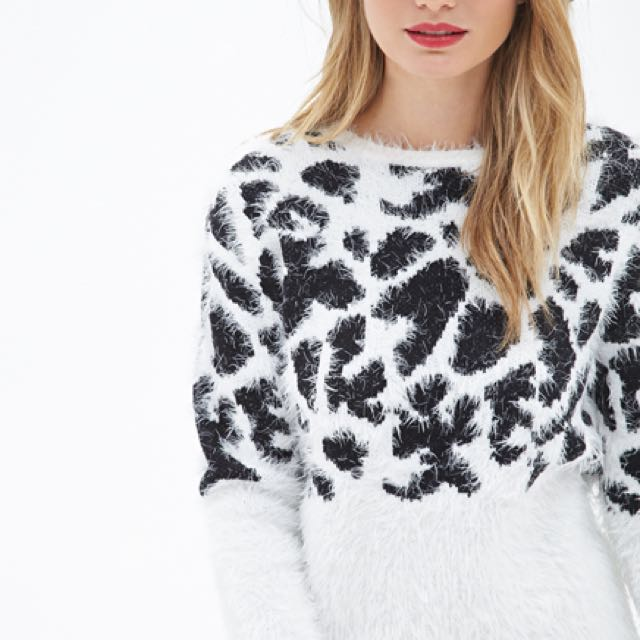 Eyelash knit sweater size small