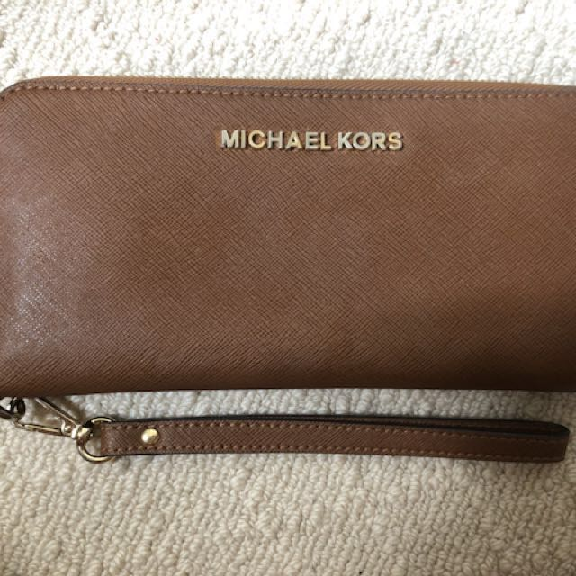 Genuine Micheal Kors Jet Set Continental Wallet/Wristlet