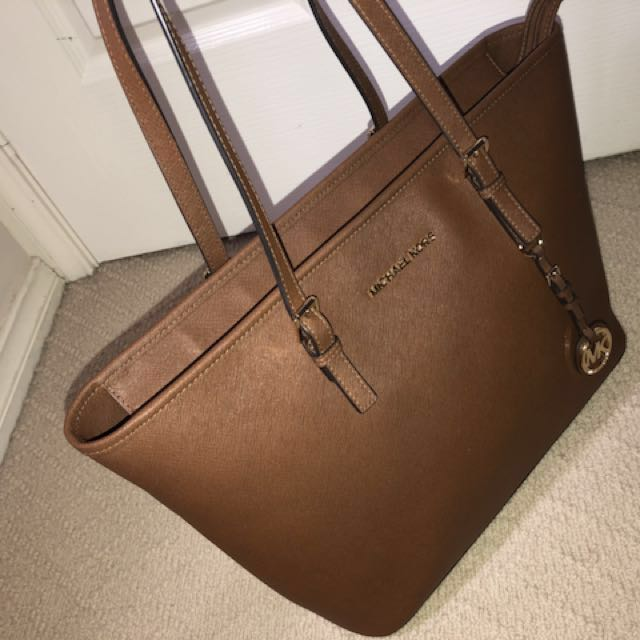 Genuine Micheal Kors Leather Jet Set Tote