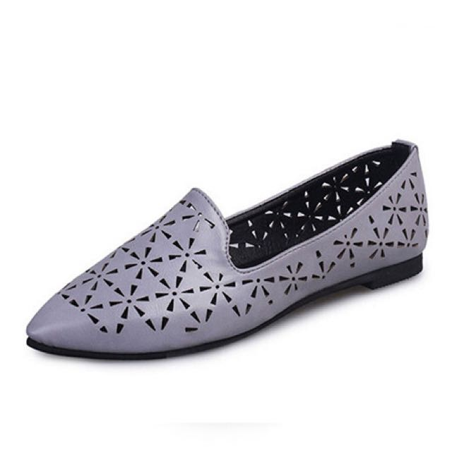 Gray Leather Pointed Toe Flats by dress.ph