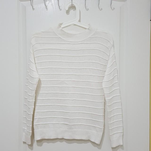 日牌GU立體條紋白色針織上衣毛衣