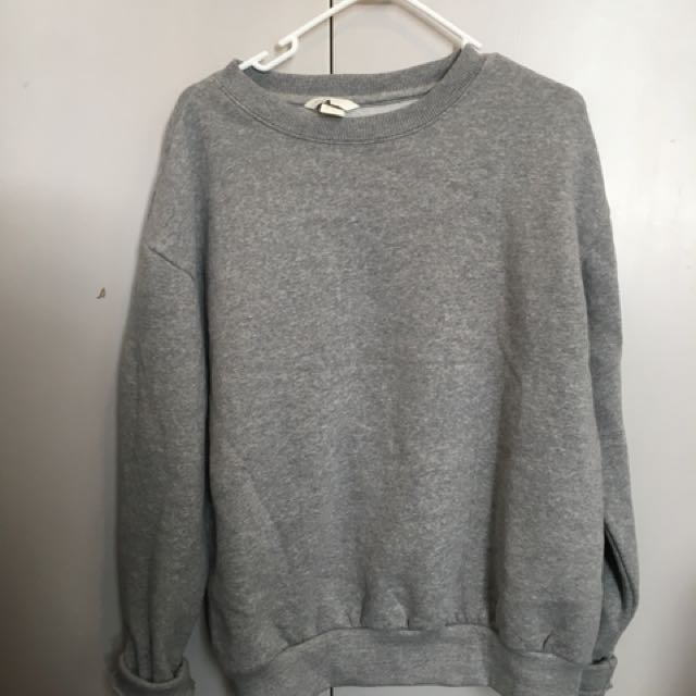 H&M grey sweatshirt