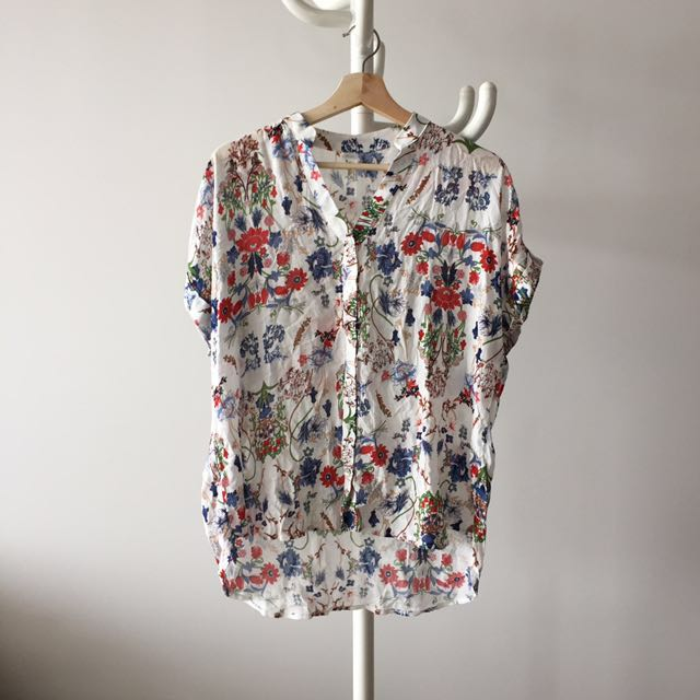 Japanese floral top SIZE SMALL