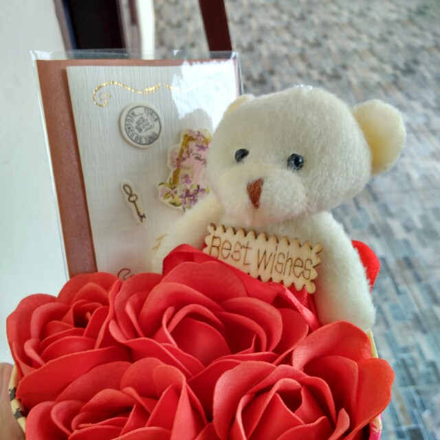 Kado/Hadiah/Hampers/Bunga/Boneka Valentine - Flowers in Box