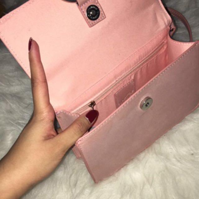 LITTLE BURGUNDY purse ✨