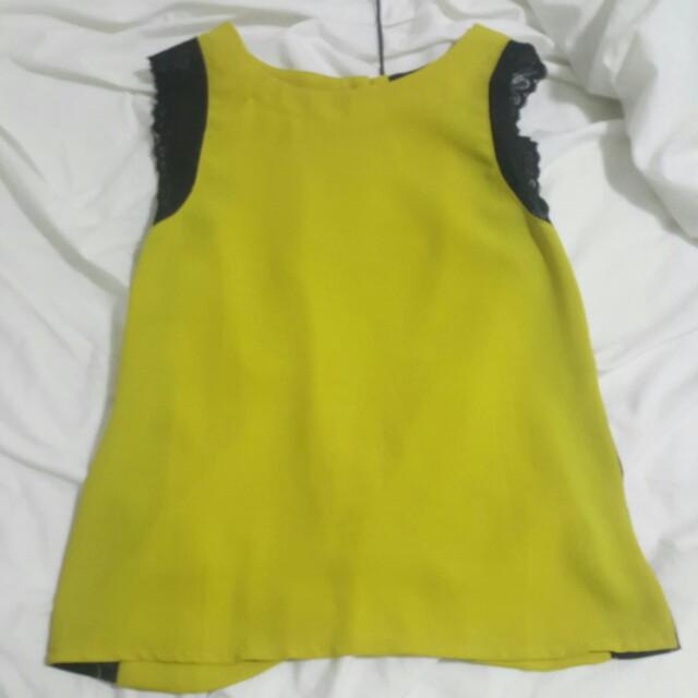 Luvalot size 6 sleeveless top