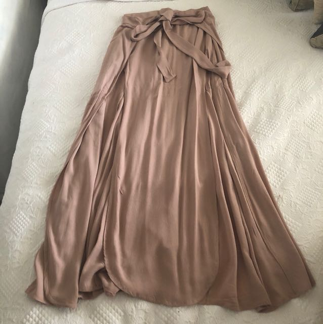 Maxi skirt dusty pink with high slits