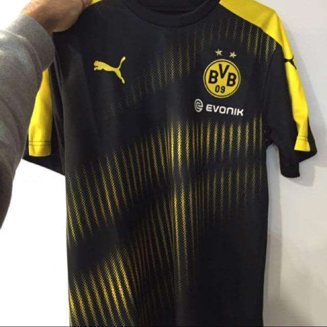Men's Football shirt / never worn