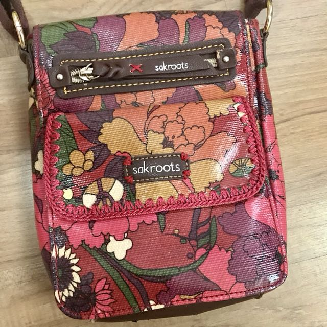 Mini body bag from Sakroots
