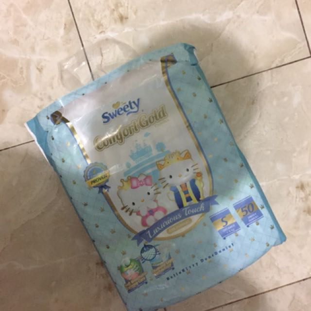 Popok Sweety Comfort Gold Tape ukuran S isi 50 (baru dipakai 1)