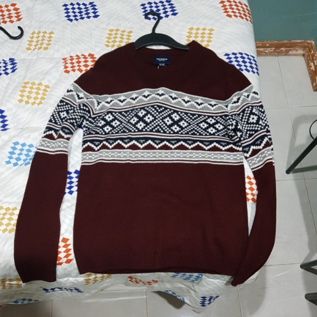 PULL AND BEAR MAROON SWEATER (KNITED)