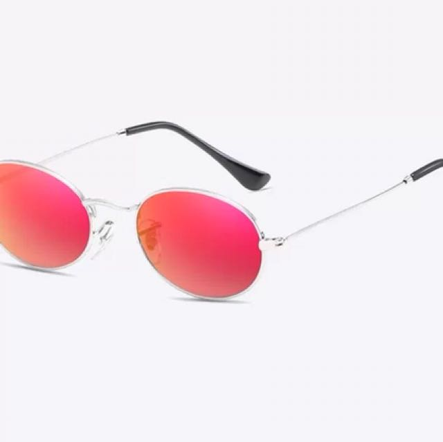 Red Round frame sunglasses