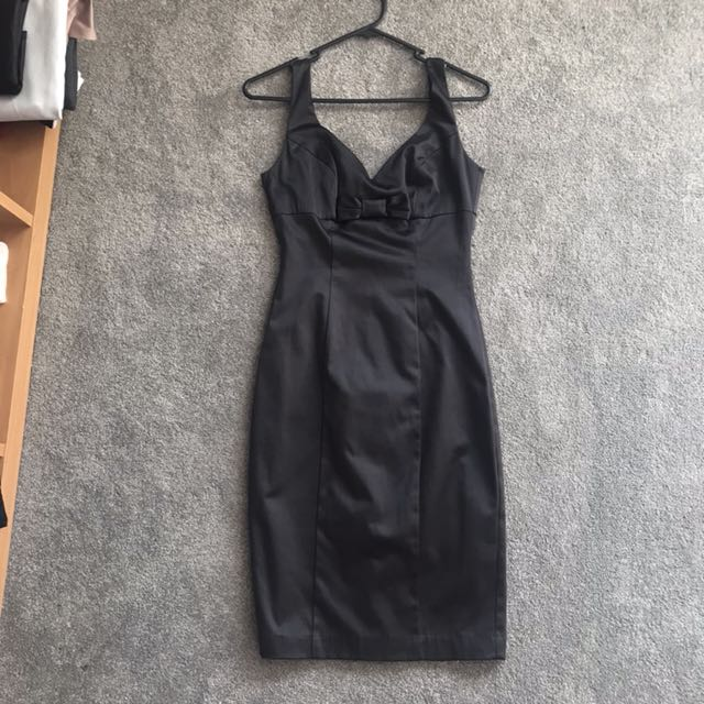 REVIEW classic bow satin LBD size6