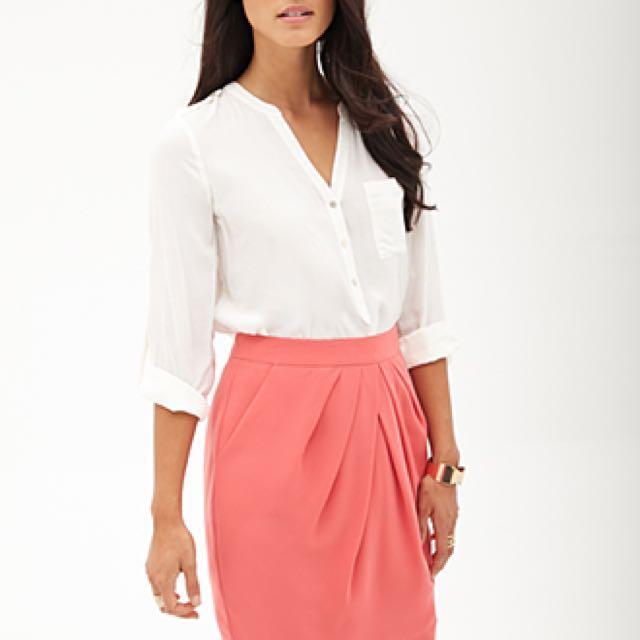 Salmon coloured skirt size medium