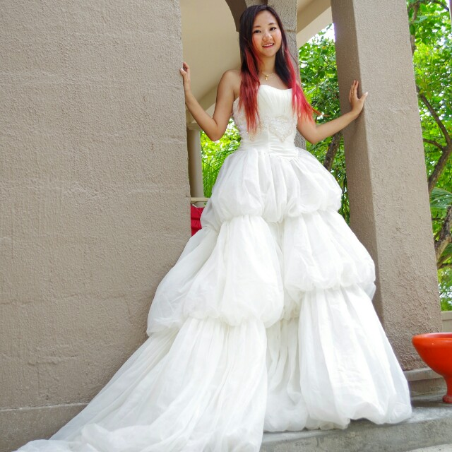 2ba69f207419 Second hand wedding dress, Women's Fashion, Clothes, Dresses ...