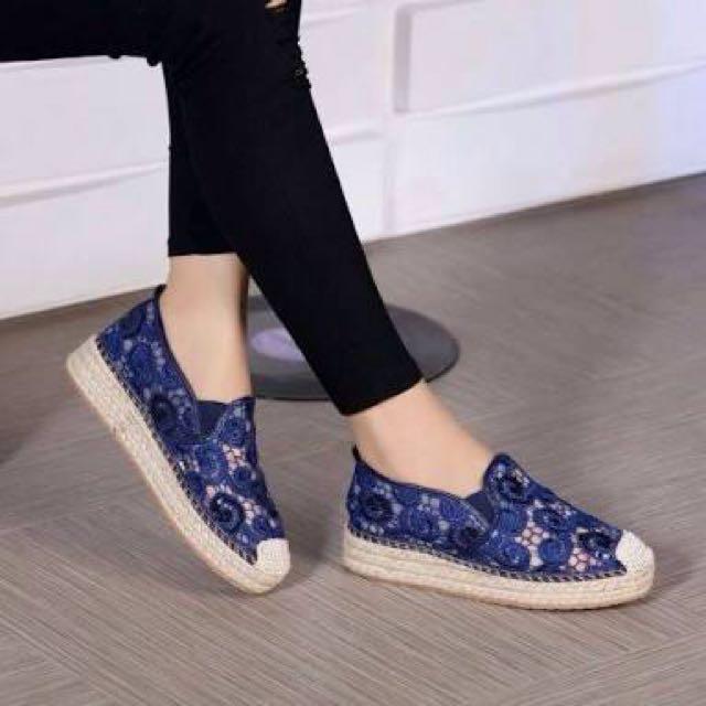 Sepatu sendal slip on emory