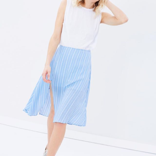 Staple the Label blue and white striped skirt