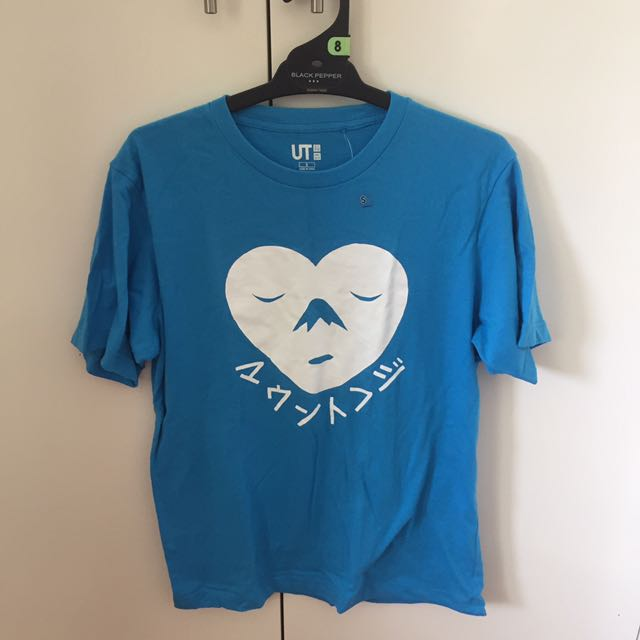 Uniqlo Mount Fuji shirt