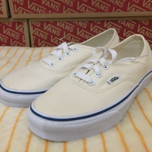 Vans Authentic Mallows(Size 6.5wmn)