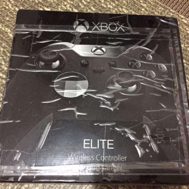 Xbox One Elite controller with box