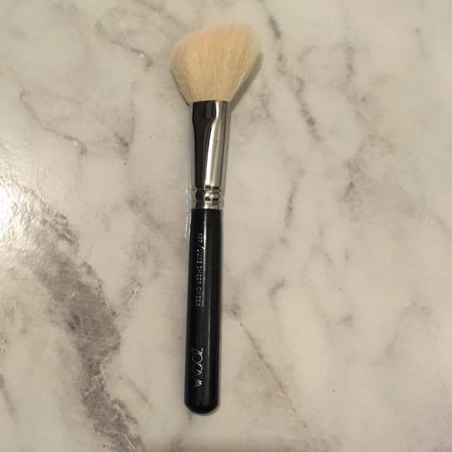 Zoeva Blush Brush