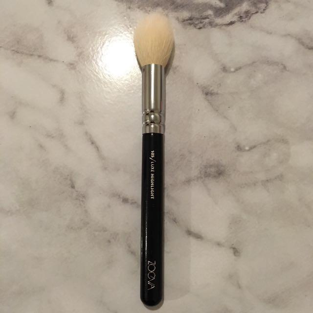 Zoeva Highlighter Brush