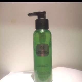 The body shop youth liquid peel exfoliant
