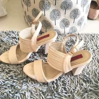 Heels putih gading cardinal uk 38 freong