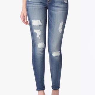 NWT - 7 for all Mankind - The Ankle Skinny Distressed Jeans SHORT INSEAM - Size 25