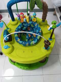 Baby Walker - evenflow exersaucer