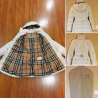 Burberry White Winter Jacket With Hood