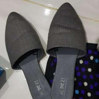 Sepatu sandal Heart