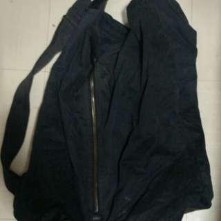 搬屋清衣櫃--N年前單肩背包