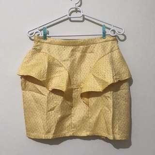 Yellow skirt Gaudi
