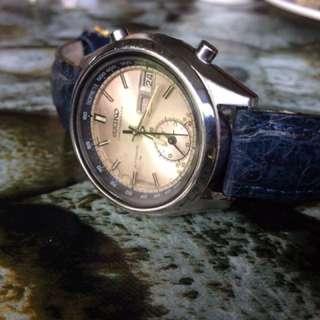 Vintage Seiko chronograph 7016 7000