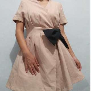 Dress aura pita