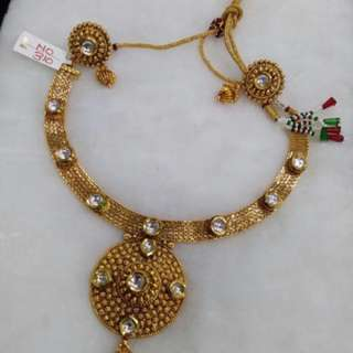 WOMEN - INDIAN WEDDING STYLE NECKLACE- KUNDAN GOLD PLATTED