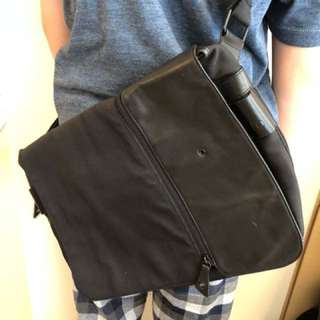 RO Messenger Bag