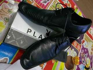 Sepatu kulit playboy