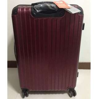 "*FREE LUGGAGE COVER* BRAND NEW Crossing 28"" Luggage"