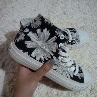 FLORAL HIGHCUT SHOES