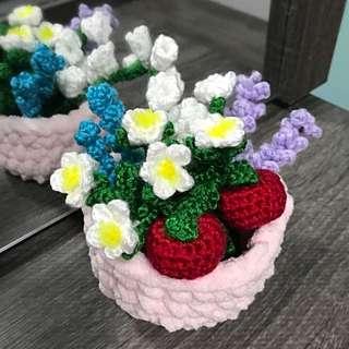 Crochet apples , flowers in a basket