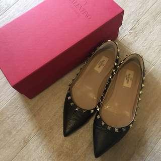 Valentino 平底黑色皮鞋 size 38.5