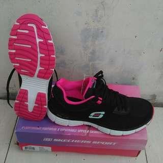 Sepatu Skechers Running Women