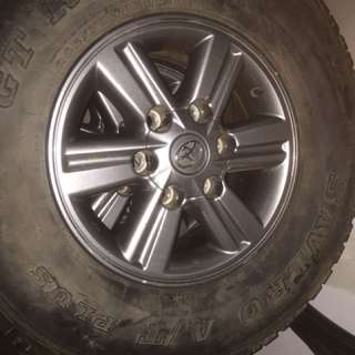"Toyota 15"" original rim (dark gray)"
