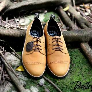 Bradley's Giemly Tan size 39-43  material Kulit Pull Up